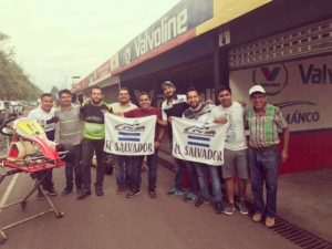 Delegación salvadoreña de Karting.