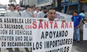 Marcha de protesta a la reforma de ley impulsada por empresarios de concesionarias.