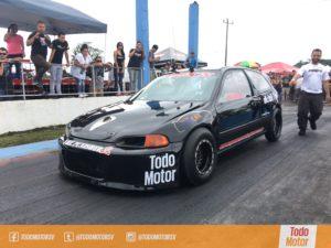 Honda de competencia preparado en Panamá